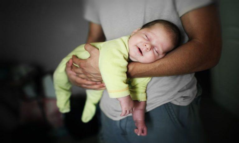 Как укачивать малыша на сон