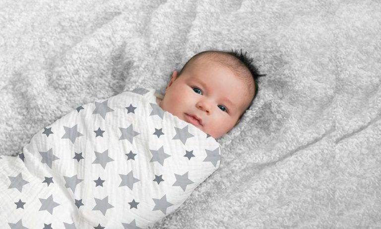 Как правильно пеленать новорожденного